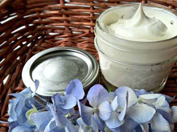 Homemade-Shaving-Cream