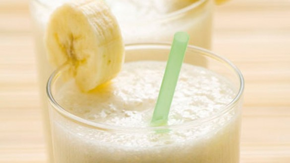 Banana-Smoothie-for-belly-bloat