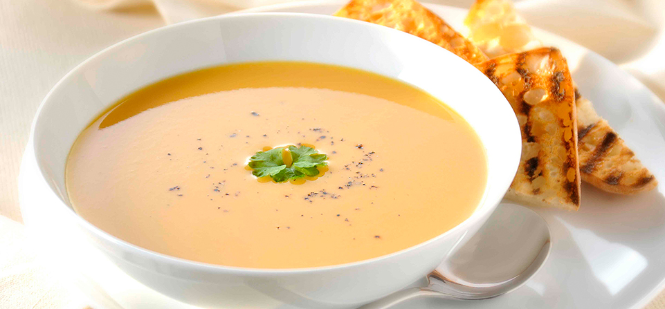 Sweet-Potato-Soup-with-Roasted-Garlic