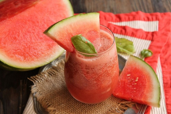 watermelon-and-basil-smoothie