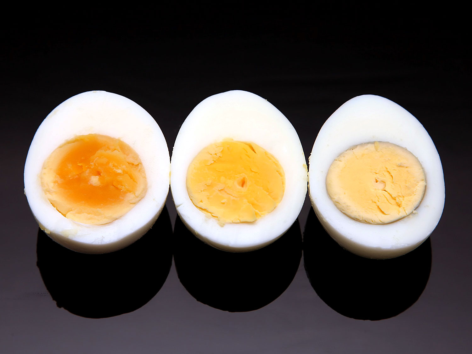 The Easy Technique to Boil Eggs Perfectly! | 1mhealthtips