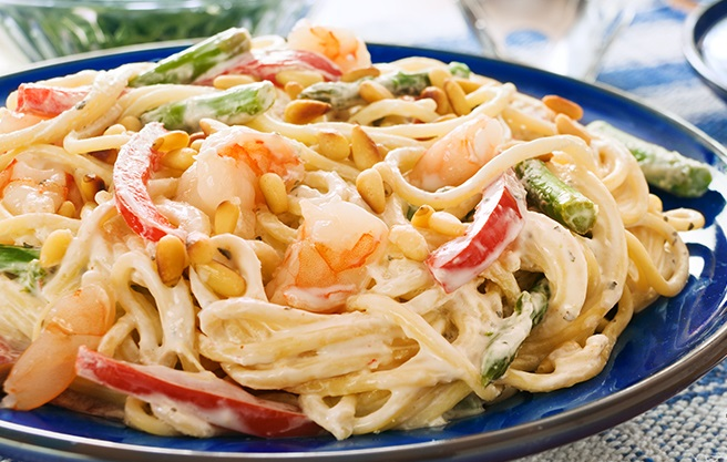 Creamy Garlic Pasta with Shrimp - Vegetables