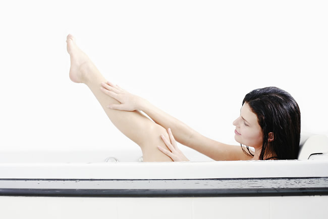 Healthy-Reasons-to-Try-Vinegar-Bath