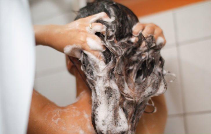 making-shampoo
