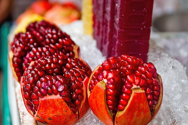 beauty-benefits-of-pomegranate-peels