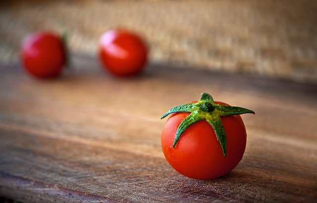 beauty-benefits-of-tomato