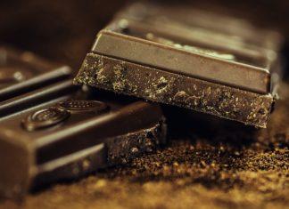 dark chocolate cuts diabetis risk in half