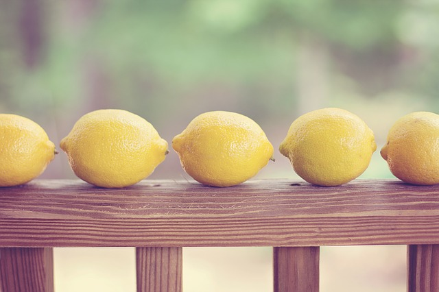How to Flush Toxins Away Using Lemons