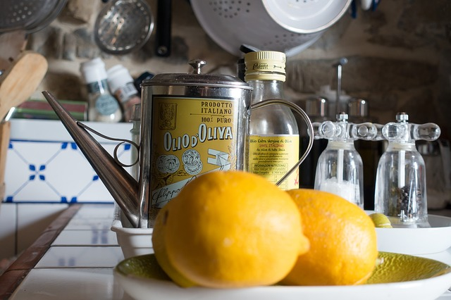 olive oil and lemon combination