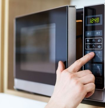 foods-never-to-reheat-in-microwave