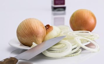 hot to cut onions