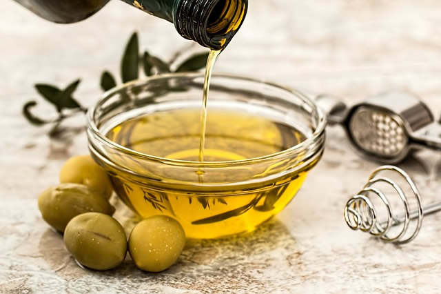 beauty benefits of olive oil