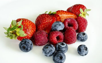 how to keep berries fresh