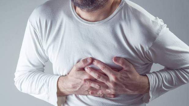 how to survive heart attack when alone