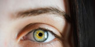 how to prevent under-eye wrinkles