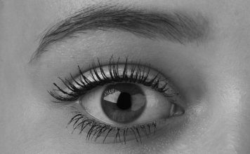 natural ways to grow thick eyebrows